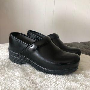Dansko Pro XP Black Leather Clogs